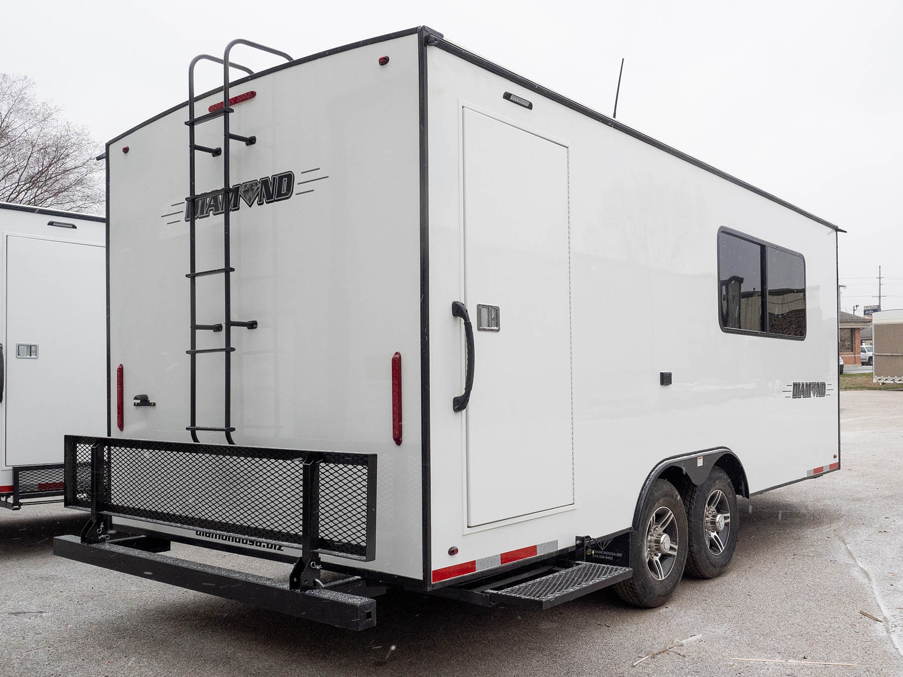 Mobile Office Front rear side view 24 RE